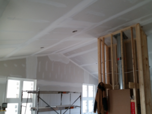 High level quality of Taping and Coating Vaulted ceiling in New house Construction